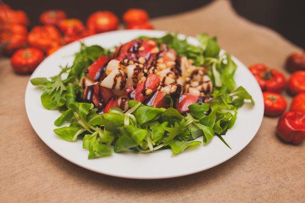 Фотография:  в стиле , Обед, Ужин, Салат, Сырым, Итальянская кухня, Кулинарные рецепты, 15 минут – фото на INMYROOM