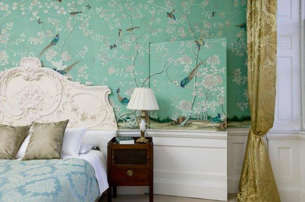 Фотография: Спальня в стиле Классический, Современный, Декор интерьера, Индустрия, Новости, Обои – фото на INMYROOM
