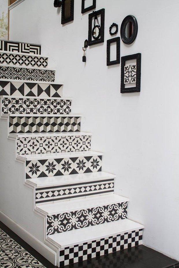 Фотография:  в стиле Прованс и Кантри, Декор интерьера, Декор дома, Плитка, Ремонт на практике – фото на InMyRoom.ru