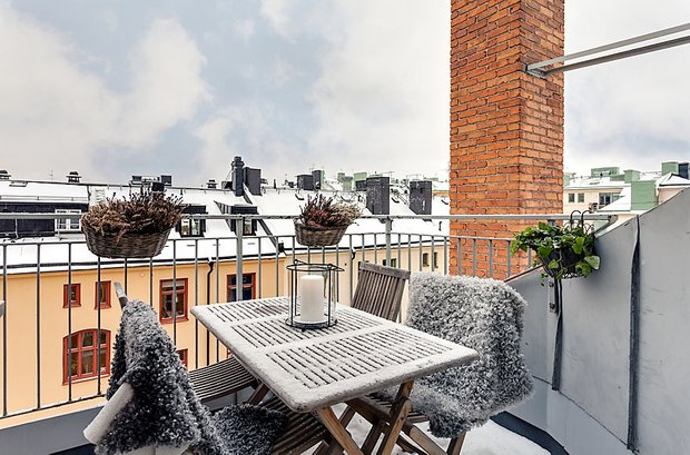 Фотография: Балкон, Терраса в стиле Скандинавский, Квартира, Мебель и свет, Дома и квартиры – фото на INMYROOM