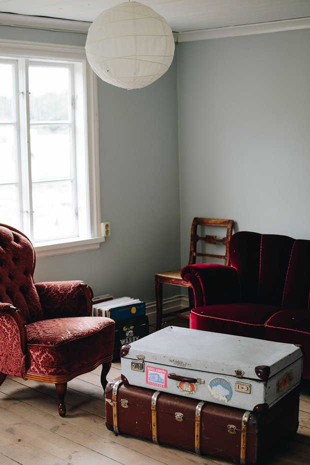Фотография: Гостиная в стиле Прованс и Кантри, Декор интерьера, Дом, Швеция, Дача, Розовый, как оформить летний дом – фото на InMyRoom.ru