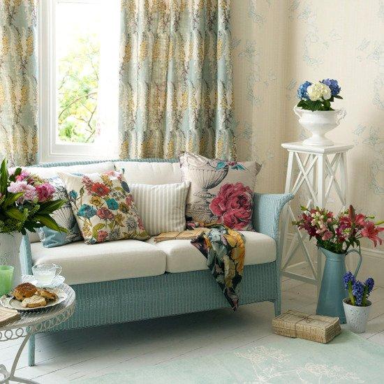 Фотография: Гостиная в стиле Прованс и Кантри, Декор интерьера, Декор дома, Цветы – фото на INMYROOM