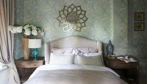 Фотография: Спальня в стиле Современный, Декор интерьера, Дизайн интерьера, Цвет в интерьере, Белый, Серый, Бирюзовый – фото на INMYROOM