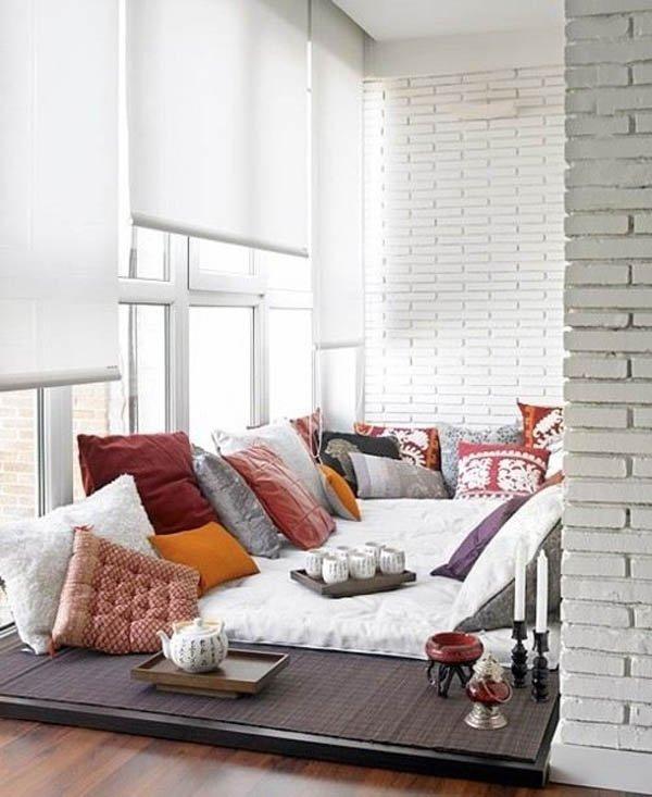 Фотография: Балкон, Терраса в стиле Восточный, Хранение, Стиль жизни, Советы, Мансарда, Подоконник – фото на INMYROOM