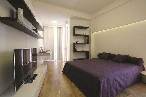 Фотография: Спальня в стиле Хай-тек, Квартира, Дома и квартиры, Проект недели, Перепланировка – фото на INMYROOM