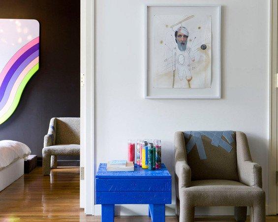 Фотография: Мебель и свет в стиле Современный, Малогабаритная квартира, Дизайн интерьера, Нью-Йорк, Диван, Декоративные панели – фото на INMYROOM
