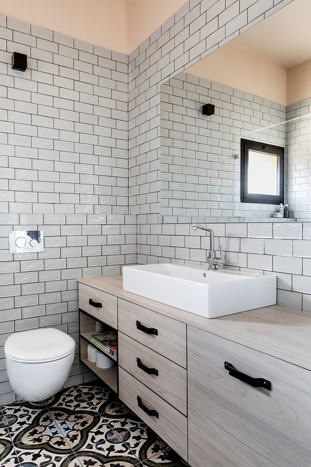 Фотография: Ванная в стиле Скандинавский, Декор интерьера, Квартира, Зеленый, Розовый, 3 комнаты, 60-90 метров – фото на INMYROOM