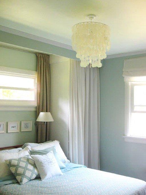 Фотография: Спальня в стиле Классический, Современный, Декор интерьера, Дом, Декор дома, Системы хранения, Шторы – фото на INMYROOM