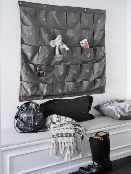 Фотография: Прихожая в стиле Современный, Детская, Интерьер комнат, Системы хранения – фото на INMYROOM