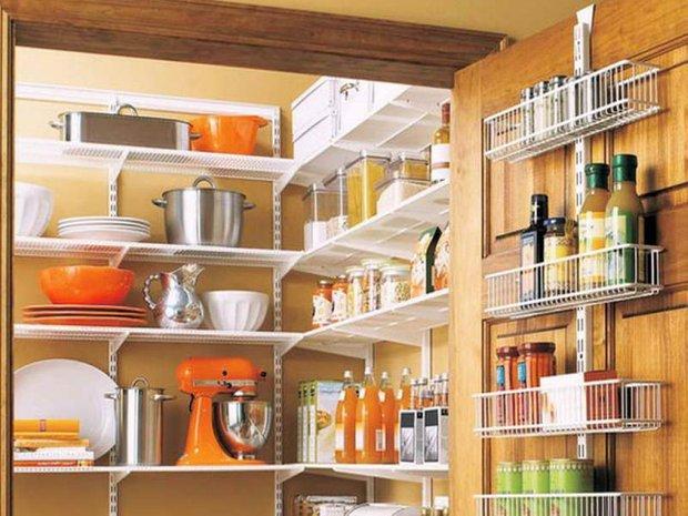 Фотография: Прочее в стиле , Кухня и столовая, Малогабаритная квартира, Интерьер комнат – фото на INMYROOM