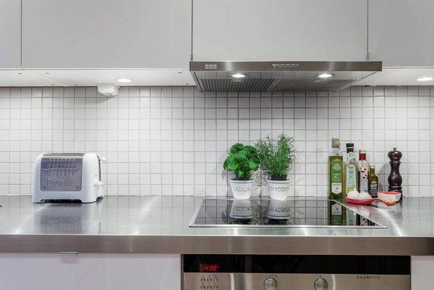 Фотография: Кухня и столовая в стиле Скандинавский, Современный, Декор интерьера, Квартира – фото на INMYROOM
