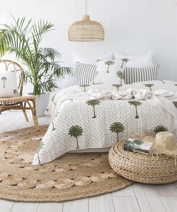 Фотография: Спальня в стиле Скандинавский, Советы, REHAU, жара, как пережить жару, как пережить жару без кондиционера – фото на INMYROOM