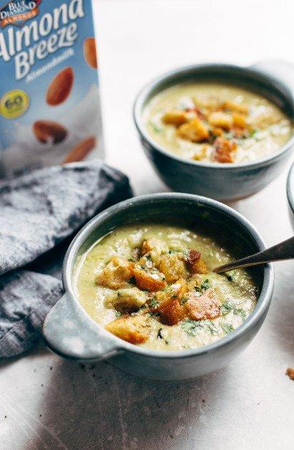 Фотография:  в стиле , Обед, Первое блюдо, Здоровое питание, Суп, Секреты кулинарии, Кулинарные рецепты, Варить, 45 минут, Американская кухня, Просто, Сыр, Брокколи – фото на INMYROOM