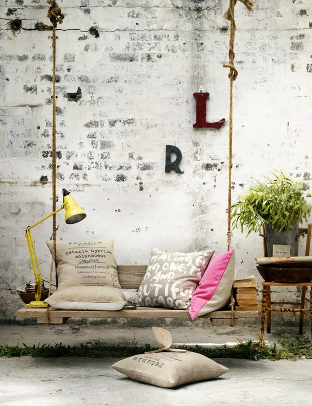 Фотография: Мебель и свет в стиле Лофт, Дом, Ландшафт, Декор, Советы, Дача, Шале, Дом и дача – фото на INMYROOM