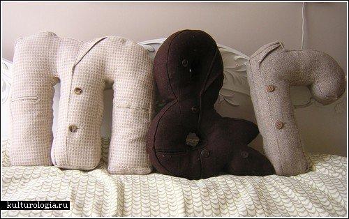 Фотография: Гостиная в стиле Лофт, Декор интерьера, Декор дома, Подушки, Вышивка – фото на INMYROOM