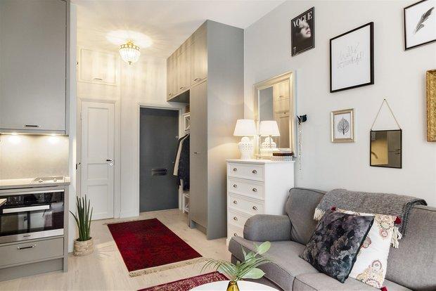 Фотография: Прихожая в стиле Скандинавский, Эклектика, Декор интерьера, Малогабаритная квартира, Квартира, Студия, Швеция, Стокгольм, Серый, до 40 метров – фото на INMYROOM