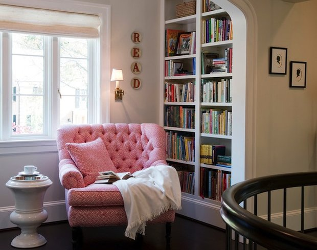 Фотография: Офис в стиле Прованс и Кантри, Хранение, Стиль жизни, Советы, Мансарда, Подоконник – фото на INMYROOM
