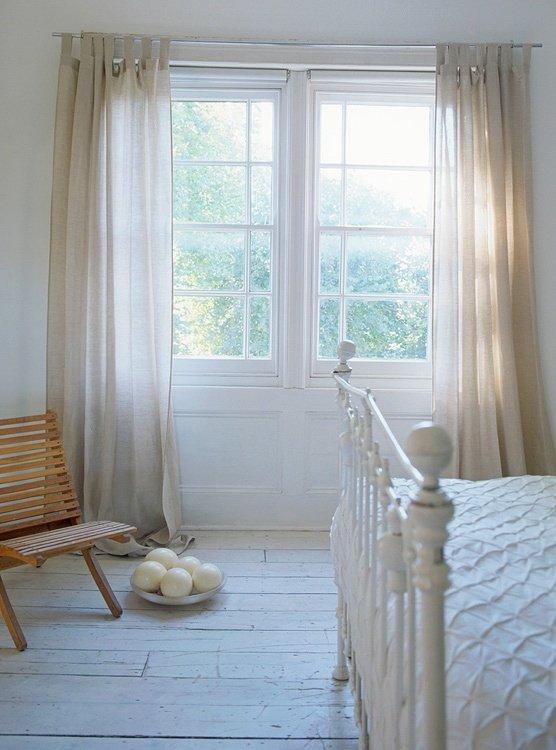 Фотография: Спальня в стиле Прованс и Кантри, Классический, Скандинавский, Современный, Декор интерьера, Мебель и свет, Декор дома – фото на INMYROOM