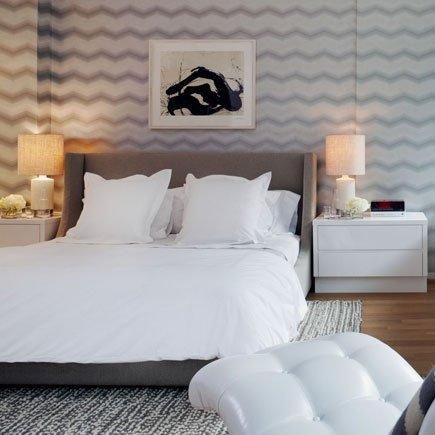 Фотография: Спальня в стиле Скандинавский, Современный, Интерьер комнат, Кровать, Гардероб, Комод, Пуф, Табурет – фото на INMYROOM