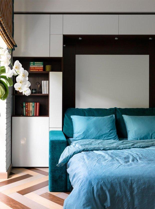 Фотография: Спальня в стиле Скандинавский, Советы, Гид, хранение в квартире, однушка – фото на INMYROOM