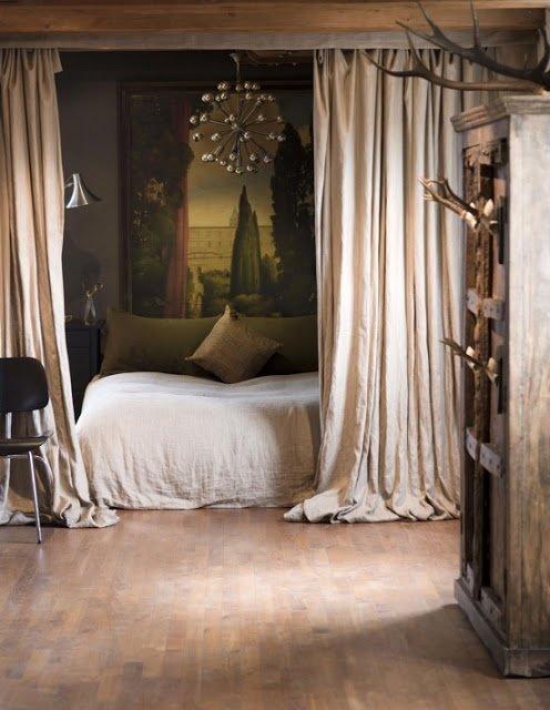 Фотография: Спальня в стиле Прованс и Кантри, Эклектика, Декор интерьера, Текстиль, Советы, Шторы, Балдахин – фото на INMYROOM