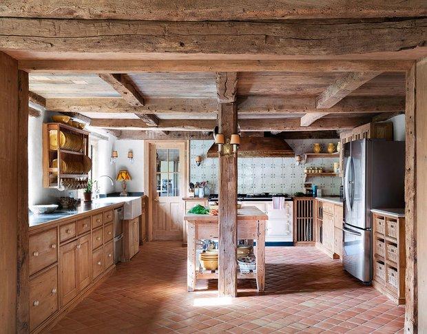 Фотография: Кухня и столовая в стиле Прованс и Кантри, Особняк, Дом и дача, Более 90 метров – фото на INMYROOM