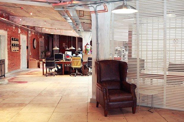 Фотография: Офис в стиле Прованс и Кантри, Классический, Лофт, Современный, Офисное пространство, Индустрия, Люди – фото на INMYROOM