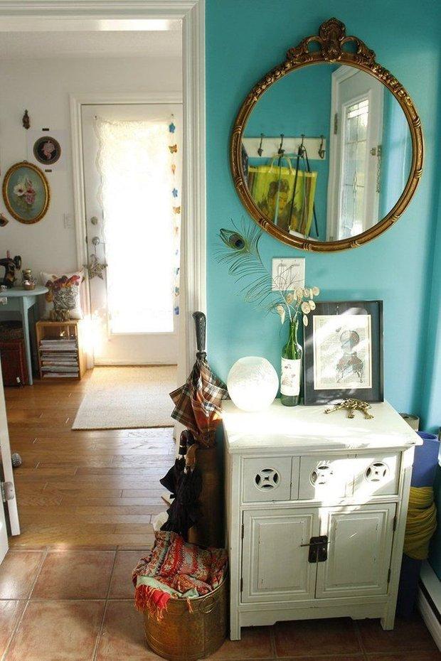 Фотография: Прихожая в стиле Прованс и Кантри, Декор интерьера, Дом, Декор, Декор дома, Цвет в интерьере – фото на INMYROOM