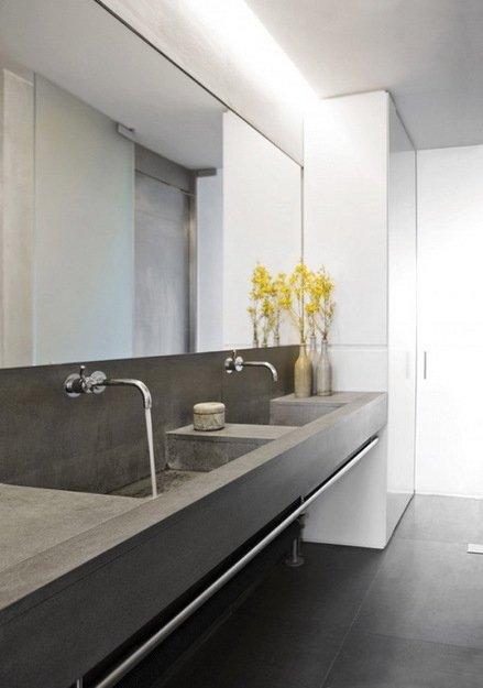 Фотография: Ванная в стиле Лофт, Дом, Цвет в интерьере, Дома и квартиры, Лондон, Серый, Индустриальный – фото на INMYROOM