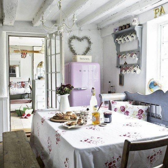 Фотография: Кухня и столовая в стиле Прованс и Кантри, Интерьер комнат, Шебби-шик – фото на InMyRoom.ru