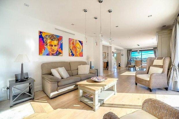 Фотография: Гостиная в стиле Лофт, Франция, Интерьер комнат – фото на INMYROOM