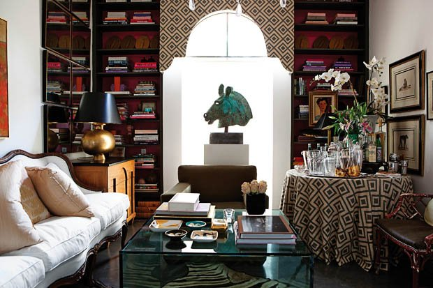 Фотография: Гостиная в стиле Восточный, Эклектика, Декор интерьера, Хранение, Стиль жизни, Советы – фото на INMYROOM