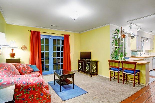 Фотография: Гостиная в стиле Прованс и Кантри, Восточный, Франция, Интерьер комнат – фото на INMYROOM