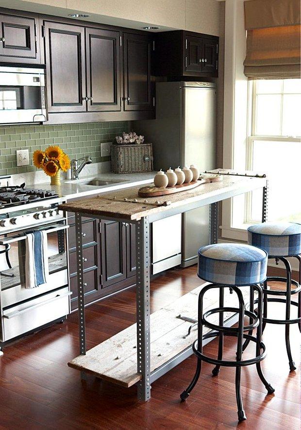 Фотография:  в стиле , Кухня и столовая, Советы, как выбрать кухонный остров, идеи для организации кухонного острова, кухонный остров на маленькой кухне, альтернативы кухонному острову – фото на INMYROOM