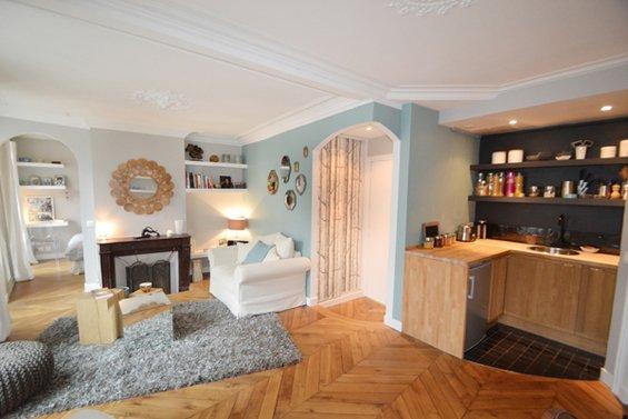 Фотография: Гостиная в стиле Прованс и Кантри, Классический, Малогабаритная квартира, Квартира, Дома и квартиры, Париж – фото на INMYROOM