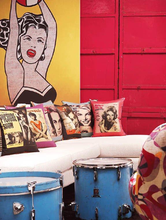Фотография: Гостиная в стиле Эклектика, Дизайн интерьера, Цвет в интерьере, Советы, Поп-арт – фото на INMYROOM