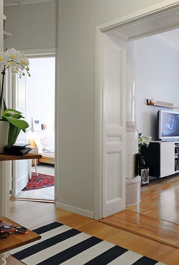 Фотография:  в стиле Скандинавский, Современный, Малогабаритная квартира, Квартира, Швеция, Мебель и свет, Дома и квартиры, Гетеборг – фото на INMYROOM