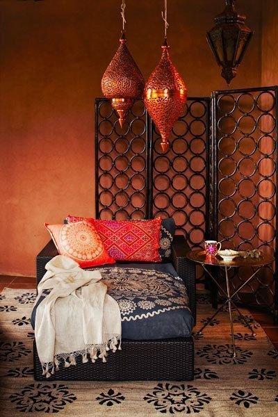 Фотография: Мебель и свет в стиле Восточный, Малогабаритная квартира, Стиль жизни, Советы, Окна, Ширма, Перегородки – фото на INMYROOM