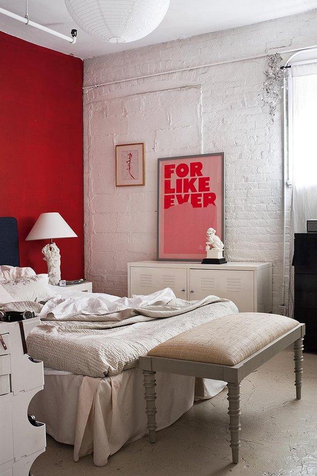 Фотография: Спальня в стиле Лофт, Эклектика, Декор интерьера, Квартира, Аксессуары, Мебель и свет – фото на INMYROOM