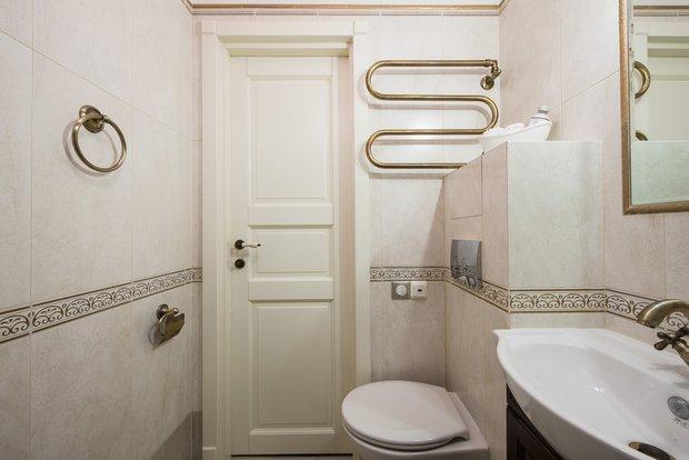 Фотография: Ванная в стиле Классический, Современный, Эклектика, Малогабаритная квартира, Квартира, Декор, Дома и квартиры, IKEA, Проект недели – фото на INMYROOM