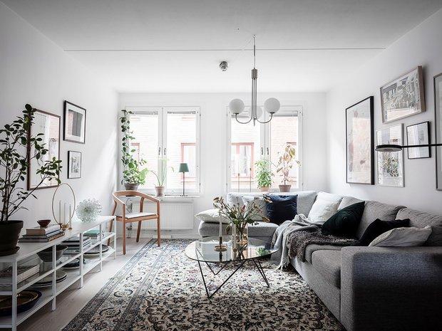 Фотография: Гостиная в стиле Скандинавский, Декор интерьера, Квартира, Планировки, Декор, Белый, Синий, Серый, Эко, 2 комнаты – фото на INMYROOM