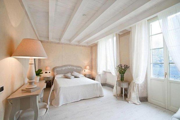 Фотография: Спальня в стиле , Декор интерьера, Архитектурные объекты, Потолок – фото на InMyRoom.ru