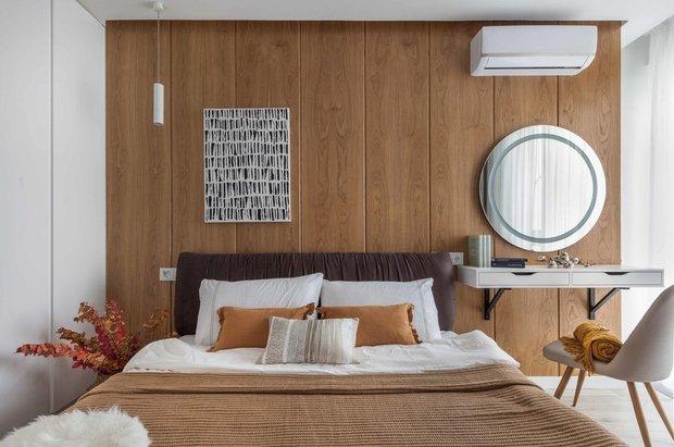Фотография:  в стиле , Спальня, Советы, как оформить рабочее место в спальне – фото на INMYROOM