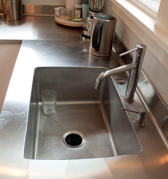 Фотография: Кухня и столовая в стиле Современный, Хай-тек, Интерьер комнат, Тема месяца – фото на INMYROOM