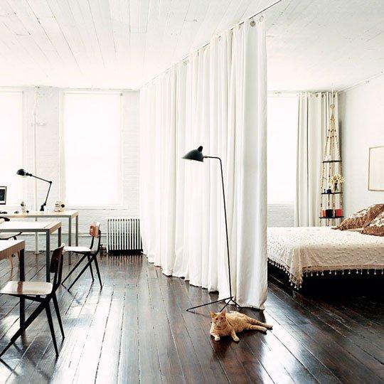 Фотография: Спальня в стиле Скандинавский, Декор интерьера, Декор дома, Ширма, Перегородки – фото на INMYROOM