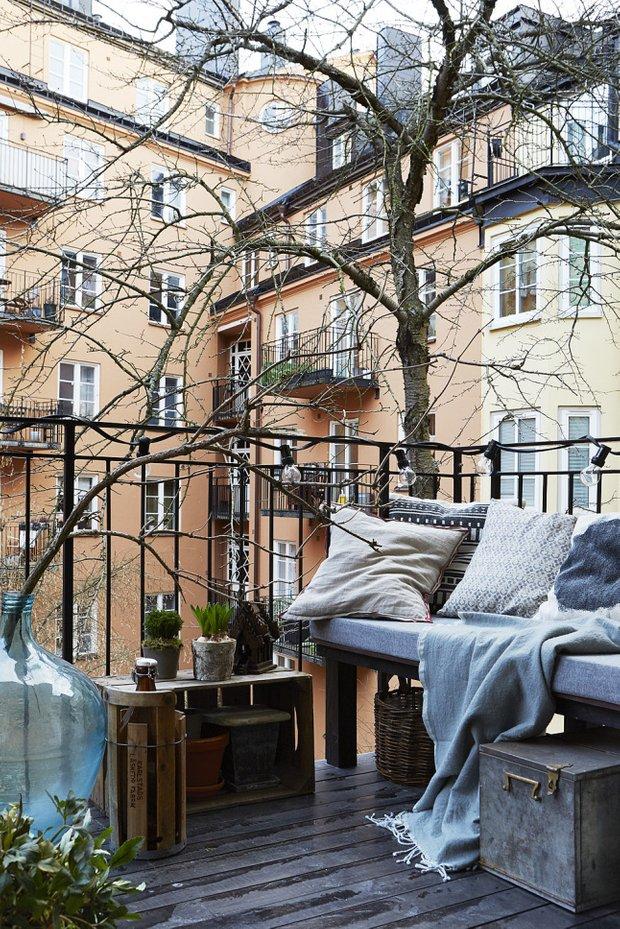 Фотография: Балкон в стиле Скандинавский, Декор интерьера, Малогабаритная квартира, Квартира, Мебель и свет – фото на INMYROOM