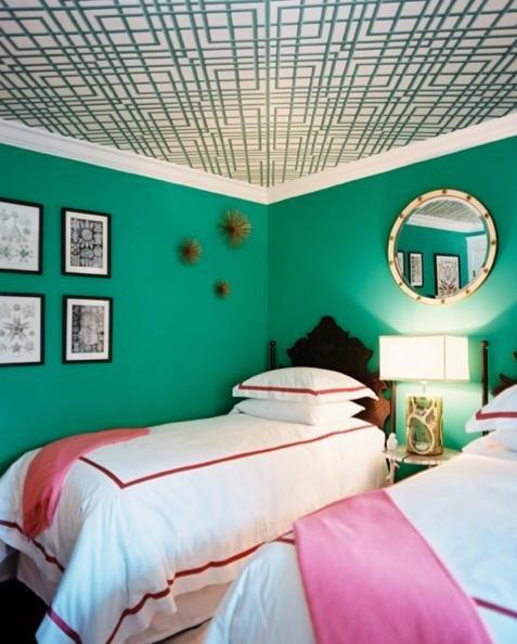 Фотография: Спальня в стиле Прованс и Кантри, Эклектика, Обои, Переделка, Плитка, Краска, Стеновые панели – фото на INMYROOM