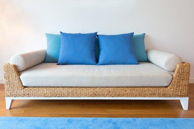 Фотография: Мебель и свет в стиле Современный, Декор интерьера, Текстиль, Подушки – фото на INMYROOM
