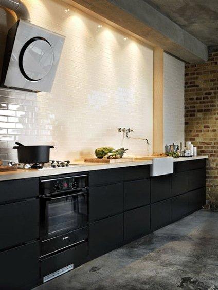 Фотография: Кухня и столовая в стиле Лофт, Декор интерьера, Дом, Декор дома, Плитка, Мозаика, Кухонный фартук – фото на INMYROOM