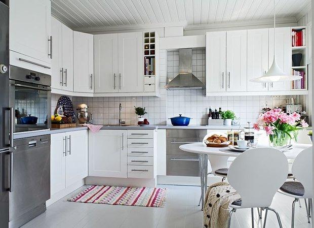 Фотография: Кухня и столовая в стиле Скандинавский, Декор интерьера, Интерьер комнат – фото на INMYROOM